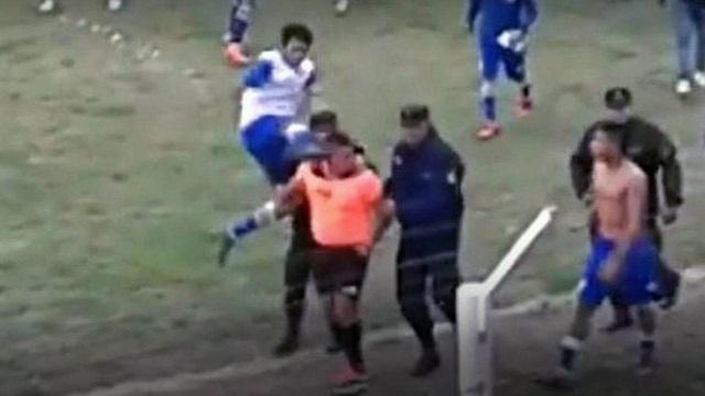 Resultado de imagen para agresion a un árbitro en guemes